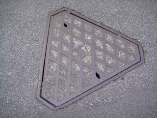 manhole10.jpg