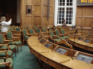 parliament2.jpg